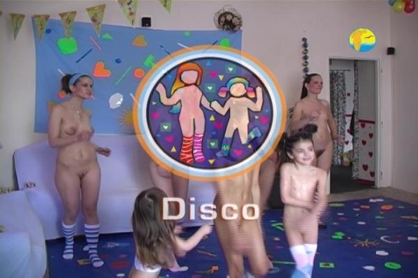 Nudists Pics Gallery  NaturismNudism