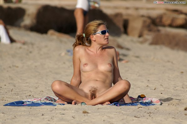 I love the nude beach