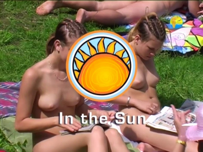 In the Sun - Family Nudism (NaturistFreedom)