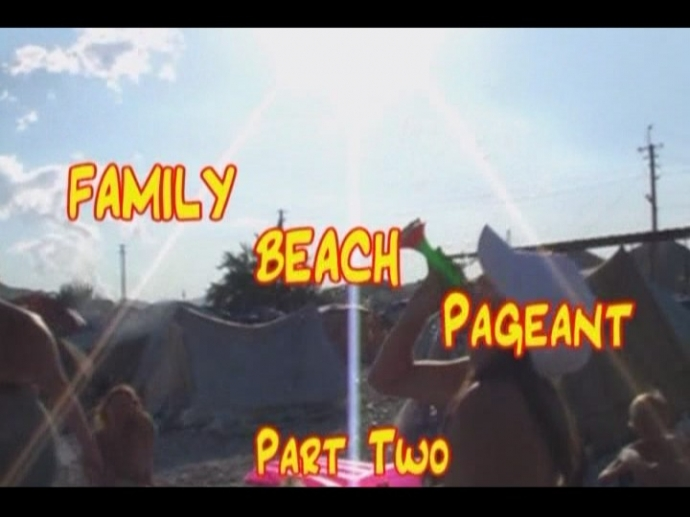 Family beach pageant 2 (Enature)
